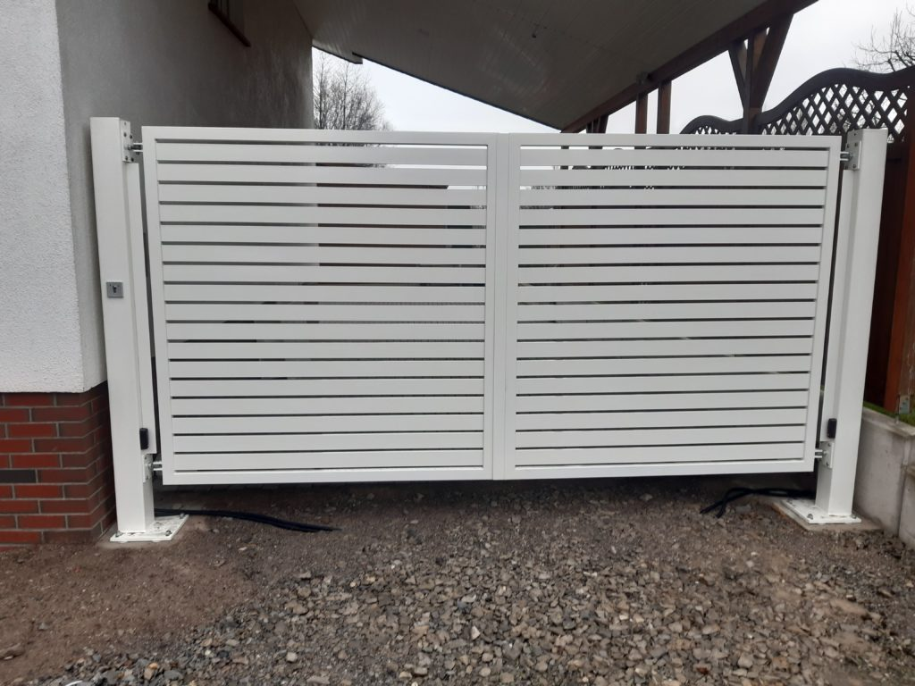 Aluminium Flügeltor in Geseke